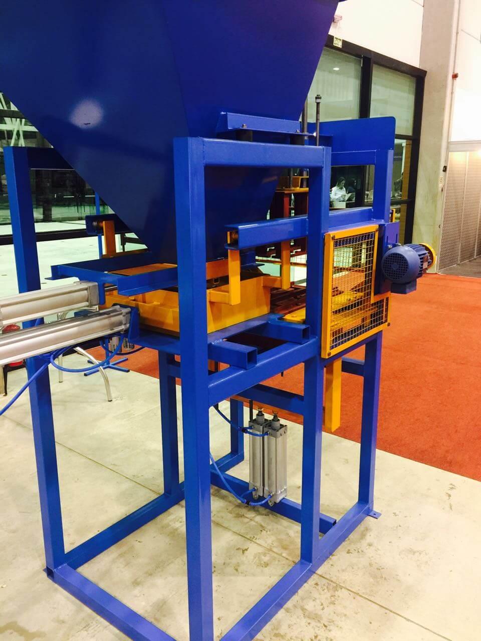 Maquina de blocos BL-3000